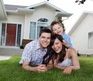 Portrait-of-happy-family-lying cuty
